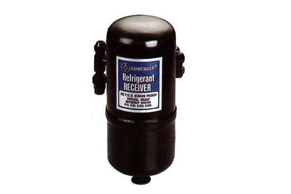Refrigerant receivers
