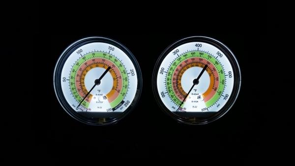 LED refrigeration gauge